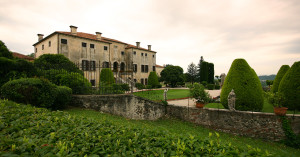 Villa_godi_valmarana_front2